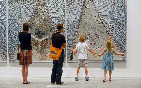 """From 13 March to 3 June 2015, you will be able to visit Iranian artist Monir Shahroudy Farmanfarmaian exhibition at the New York Guggnheim Museum.""  Guggenheim Museum NY: Monir Shahroudy Farmanfarmaian exhibition Guggenheim Museum NY Monir Shahroudy Farmanfarmaian exhibition galleries i lobo you6 480x300"