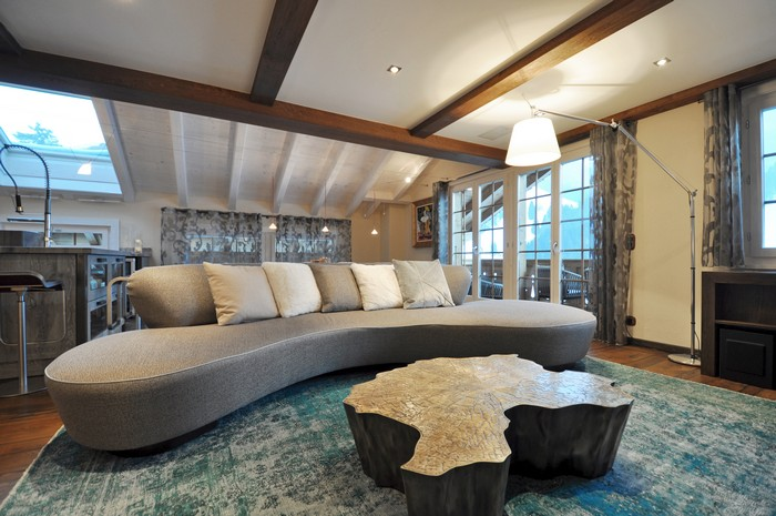 PLUS DESIGN's most recent interior design project with Boca do Lobo is an incredible holiday home with spectacular mountain views. Interior Design project Interior Design project by Plus + Interior Design project by Plus furniture I Lobo you15