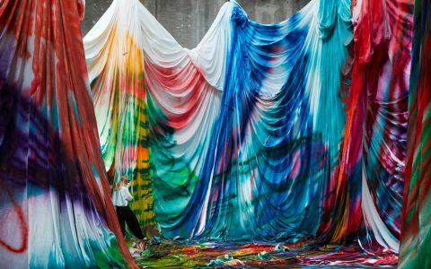 art installation Burst of Color: Giant Art Installation by Katharina Grosse cover 5 480x300