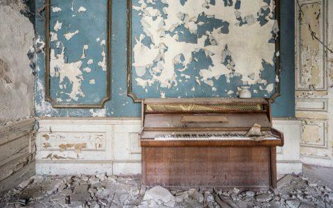 Art Photography Romain Thiery Captures Broken Pianos As Art Photography cover 3 480x300