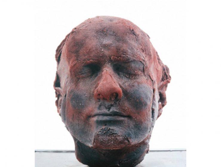 marc quinn Modern Art: A Bloody Self-portrait By Marc Quinn ffffffffffffff 740x560