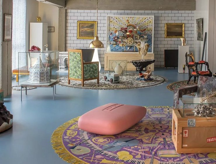 Studio Job has an apartment in Antwerp, Belgium, fully decorated by the studio that gathers a wonderland of art collection for Studio Job's admirers. art collection The ultimate art collection apartment by Studio Job 1The ultimate art collection apartment by Studio Job I lobo you 740x560