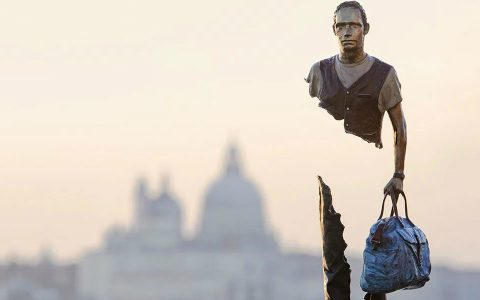 art sculptures 'Incomplete' Art Sculptures of Travelers by Bruno Catalano Incomplete Sculptures of Travelers by Bruno Catalano feature 480x300