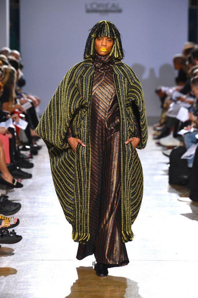Fashion Design Enhances Powerful Silhouettes Using Recycled Materials fashion design Fashion Design Enhances Powerful Silhouettes Using Recycled Materials Fashion Enhances Powerful Silhouettes Using Recycled Materials 7 683x1024