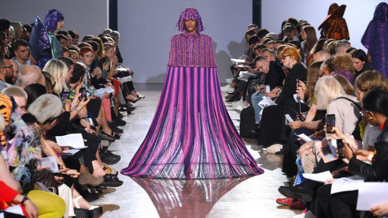 Fashion Design Enhances Powerful Silhouettes Using Recycled Materials fashion design Fashion Design Enhances Powerful Silhouettes Using Recycled Materials Fashion Enhances Powerful Silhouettes Using Recycled Materials