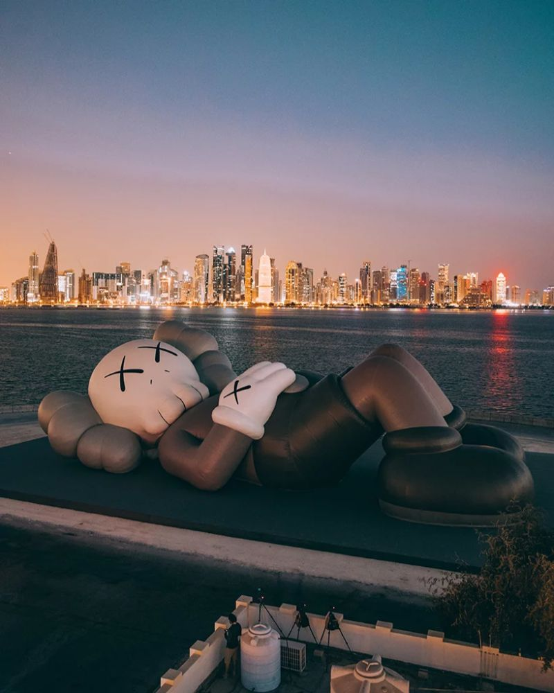KAWS Debuts Art Sculpture That Overlooks Doha's Skyline art sculpture KAWS Debuts Art Sculpture That Overlooks Doha's Skyline KAWS Debuts Sculpture That Overlooks Dohas Skyline 6