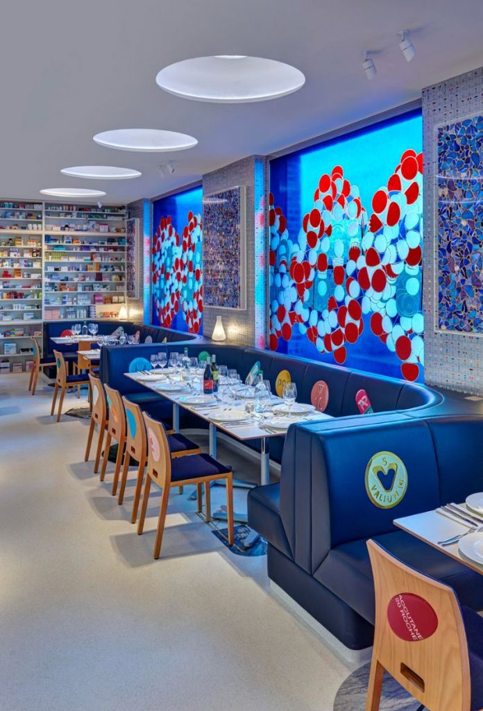 Modern Restaurant Designs That Feature The Best Artwork restaurant designs Modern Restaurant Designs That Feature The Best Artwork Modern Designs That Feature The Best Artwork 2 696x1024