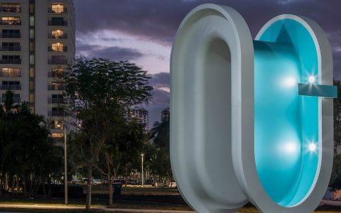 art sculpture A Bent Pool Art Sculpture Serves As Landmark During Miami Art Week 2019 A Bent Pool Sculpture Serves As Landmark During Miami Art Week 2019 feature 480x300