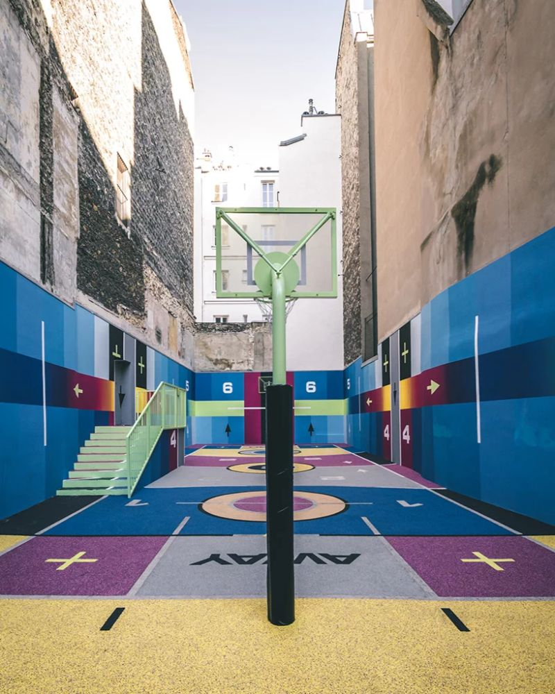 Modern Art Around Paris - The Famous Pigalle Basketball Gets Renovated modern art Modern Art Around Paris – The Famous Pigalle Basketball Gets Renovated Art Around Paris The Famous Pigalle Basketball Gets Renovated 4