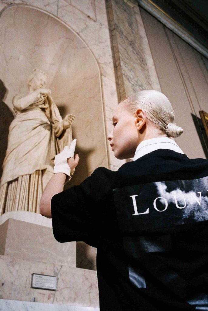 Off-White's New Collection: Virgil Abloh Collaborates With The Louvre virgil abloh Off-White's New Collection: Virgil Abloh Collaborates With The Louvre Off Whites New Collection VirgilAbloh Collaborates With The Louvre 10 686x1024