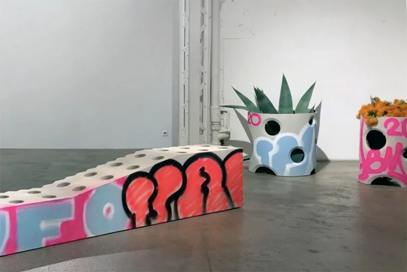 Virgil Abloh Brings To Galerie Kreo A Graffiti-Sprayed Art Furniture virgil abloh Virgil Abloh Brings To Galerie Kreo A Graffiti-Sprayed Art Furniture VirgilAbloh Brings To GalerieKreo A Graffiti Sprayed Art Furniture 2