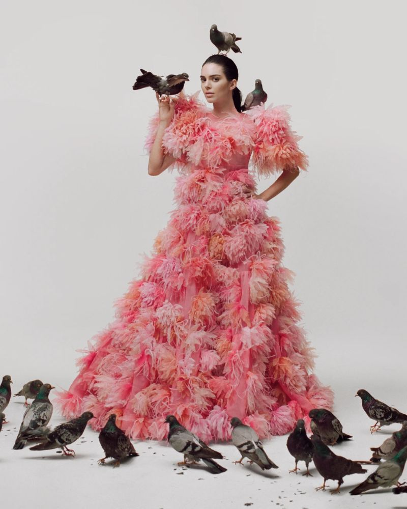 Kendall Jenner Embodies Iconic Artworks by Maurizio Cattelan kendall jenner Kendall Jenner Embodies Iconic Artworks by Maurizio Cattelan KendallJenner Embodies Iconic Artworks by MaurizioCattelan 3