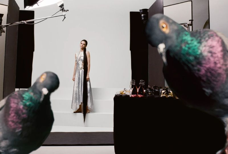 Kendall Jenner Embodies Iconic Artworks by Maurizio Cattelan kendall jenner Kendall Jenner Embodies Iconic Artworks by Maurizio Cattelan KendallJenner Embodies Iconic Artworks by MaurizioCattelan 7