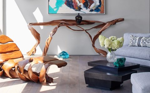 luxury home Todd Merrill's Luxury Home Is Every Design Collector's Dream Todd Merrill Puts Treasures To The Test At His Own Luxury Home in NYC feature image 1 480x300