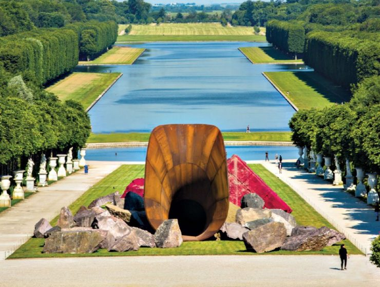 anish kapoor 5 Art Sculpture Works By Anish Kapoor That Left A Mark In Design feature image 51 740x560