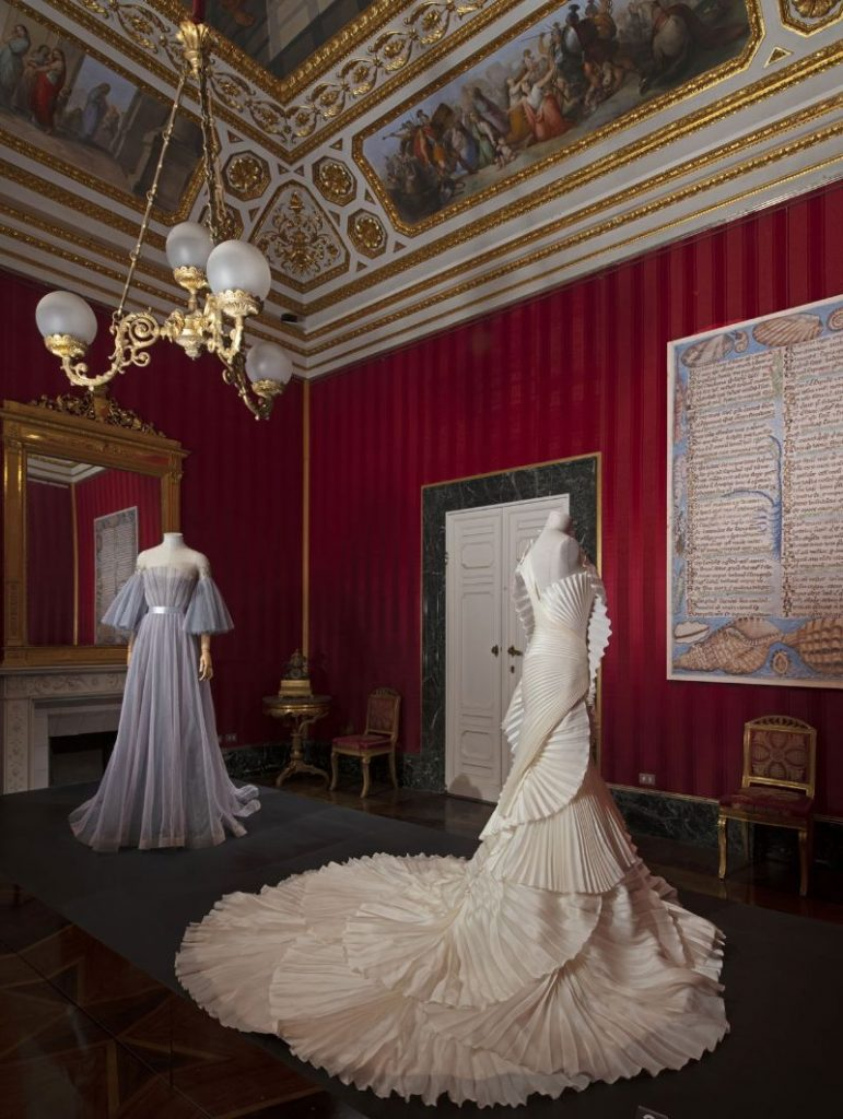 A Zoo Of Peculiarities: Animalia Fashion Exhibition at Palazzo Pitti fashion exhibition A Zoo Of Peculiarities: Animalia Fashion Exhibition at Palazzo Pitti A Zoo Of Peculiarities Animalia Fashion Exhibition at Palazzo Pitti 4 771x1024