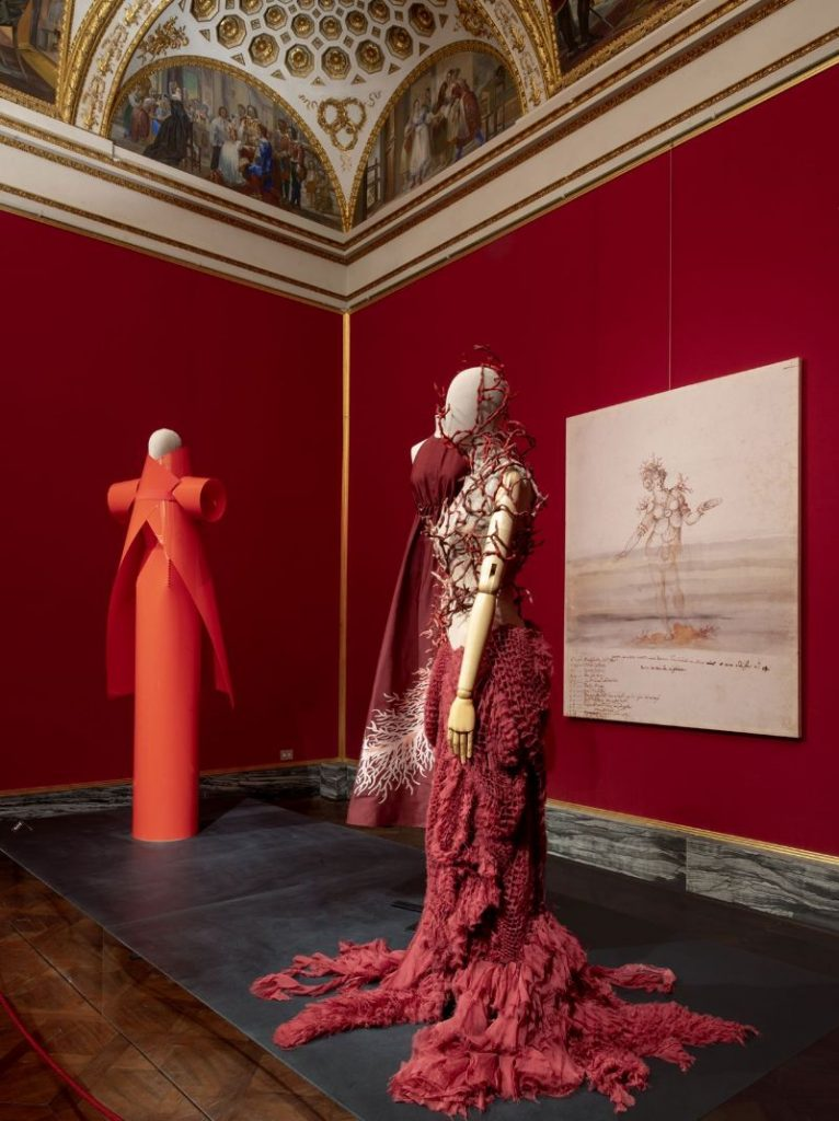 A Zoo Of Peculiarities: Animalia Fashion Exhibition at Palazzo Pitti fashion exhibition A Zoo Of Peculiarities: Animalia Fashion Exhibition at Palazzo Pitti A Zoo Of Peculiarities Animalia Fashion Exhibition at Palazzo Pitti 8 766x1024