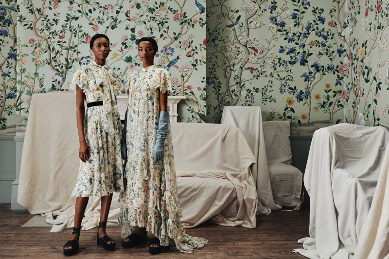 De Gournay's Hand-Painted Wallpapers Are Inexplicably Enchanting de gournay De Gournay's Hand-Painted Wallpapers Are Inexplicably Enchanting De Gournays Hand Painted Wallpapers Are Inexplicably Enchanting 5