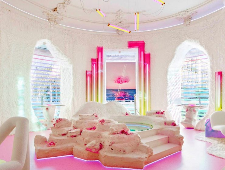 patricia bustos Patricia Bustos Creates A Neon-Dreamy Bathroom Design Away From Cliché feature image 2020 10 22T155403