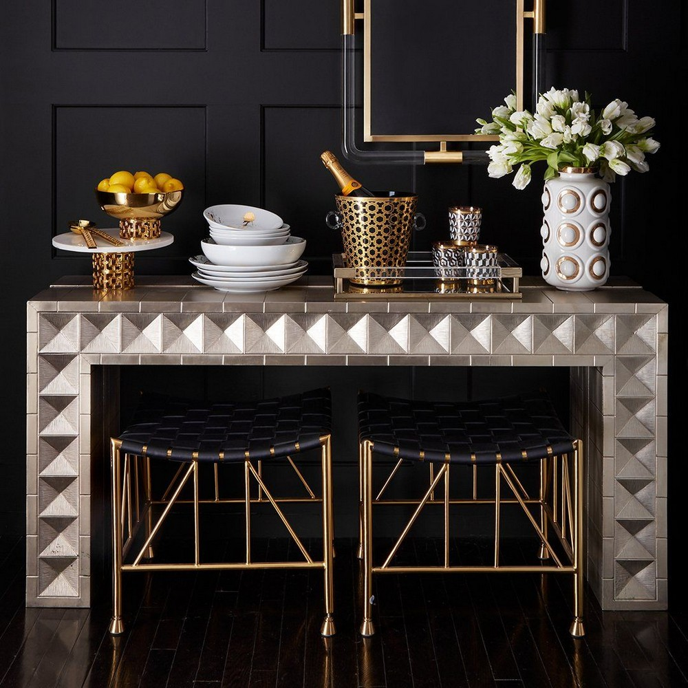 modern console tables Modern Console Tables For Collectable Design Lovers 25 Modern Console Tables That Are Gallery Worthy 7