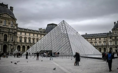 Louvre Entire World-Famous Art Collection Is Now Available Online louvre Louvre' Entire World-Famous Art Collection Is Now Available Online FT ILY 17 480x300