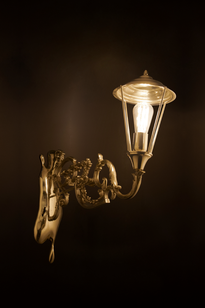 The Best Lighting Ideas For An Art-Filled Home lighting idea The Best Lighting Ideas For An Art-Filled Home lumiere wall lamp 02 HR 1