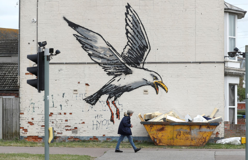 """""""A Great British Spraycation"""" by Banksy, His Vision On Summer Vacations"""